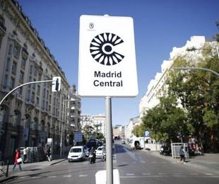 Acceso de vehículos a Madrid Central. Cristalería Formas