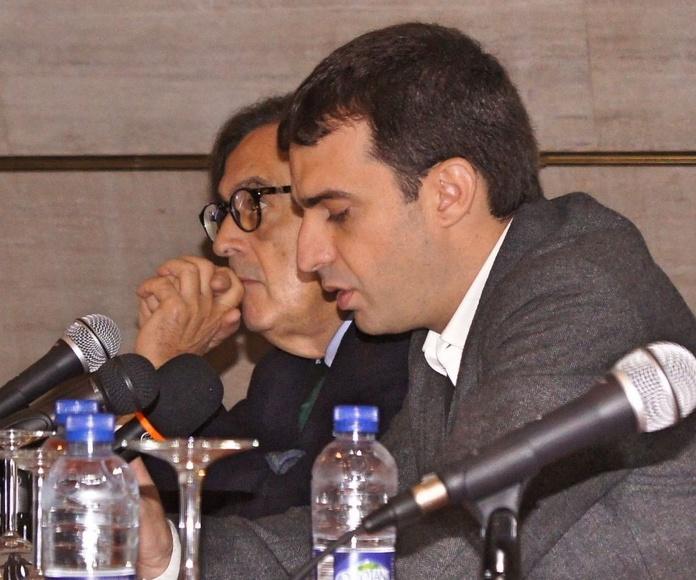 El Dr. Francisco David Lorenzo (Vicepresidente de San Miguel Adicciones) presentando la ponencia del Dr. Cecilio Álamo.