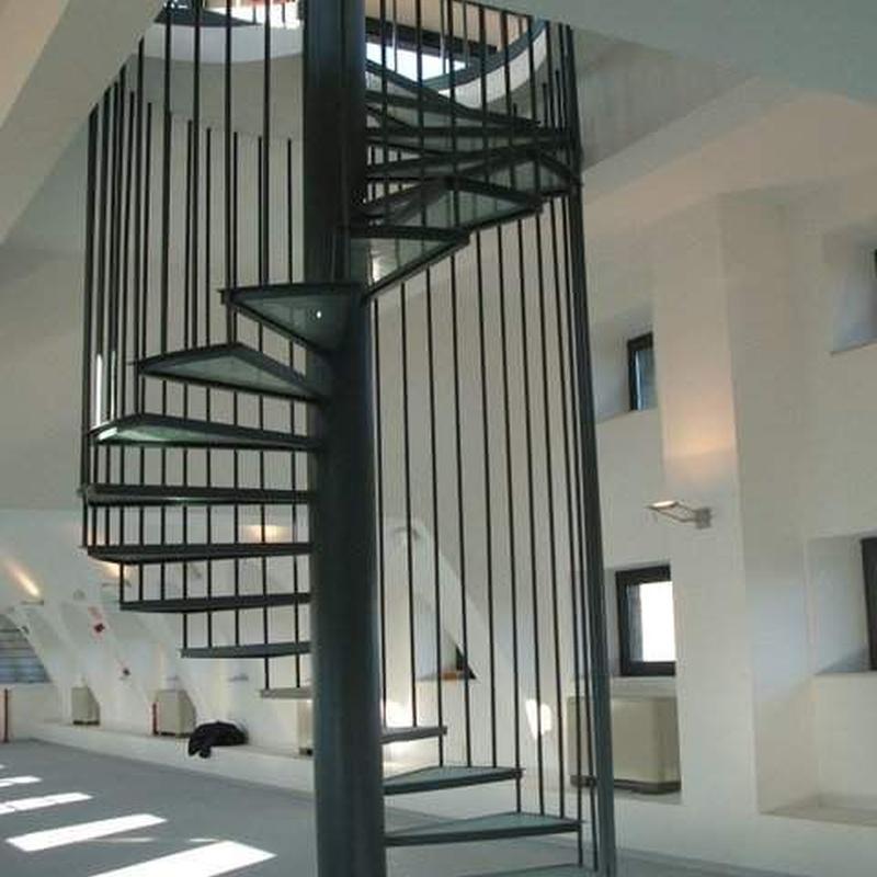 Escaleras: Catálogo de Metálicas de Mareo