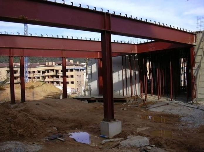 Conectores: Servicios y Proyectos de Estructures Metal.Liques Quintana, S. A. U