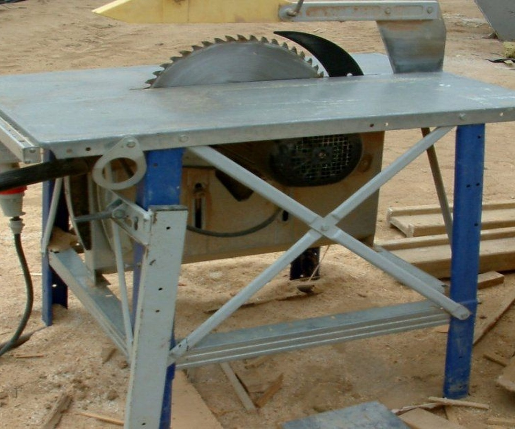 ¿Cómo se usa una sierra radial?