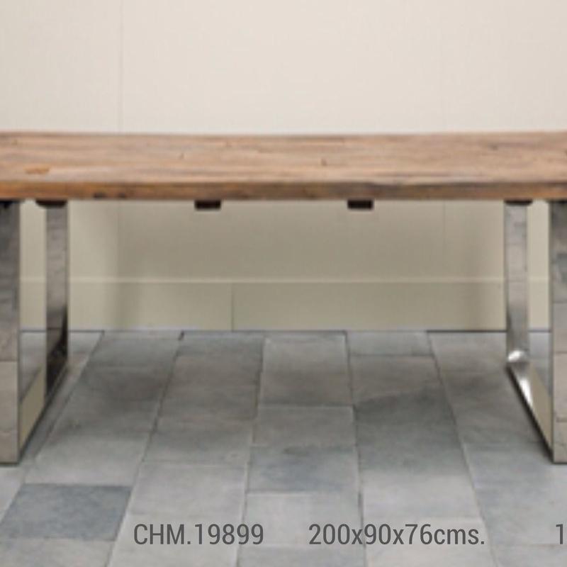 Mesa de comedor sobre de madera y patas de aluminio : Catálogo de Ste Odile Decoración