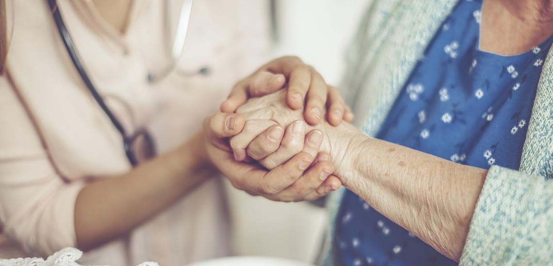 Cuidado de ancianos a domicilio en Vic con total garantía