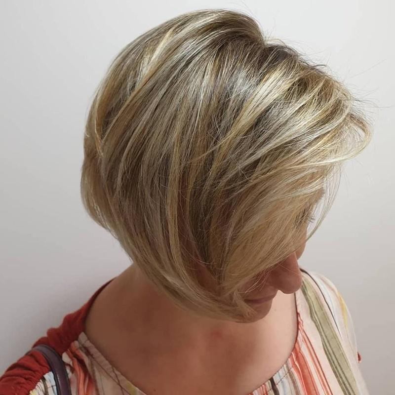 Coloración base Breakers: Servicios de Fusión Unisex Hairdressers