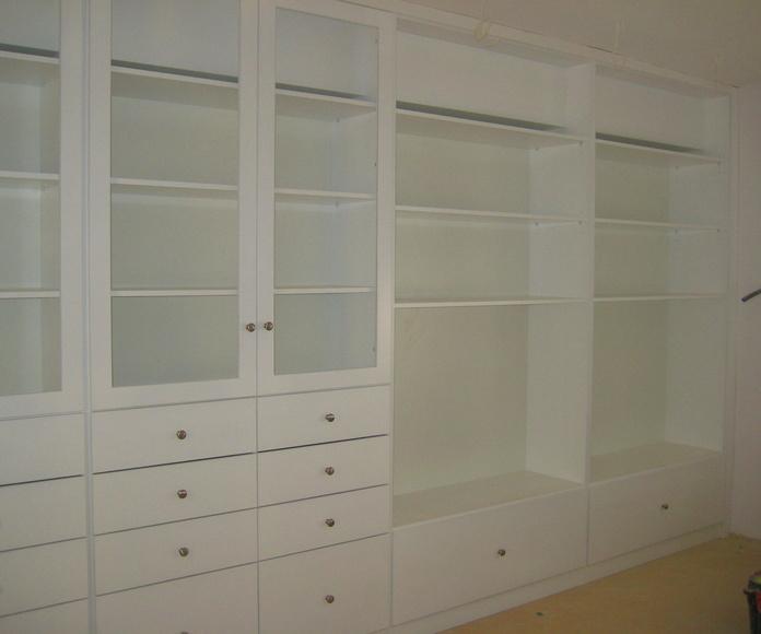 Mueble librería para salón lacada en blanco