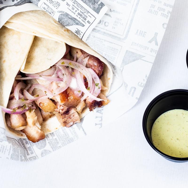 ENROLLADO DE CHICHARRON: CARTA DE PRODUCTOS de Chicken Grill