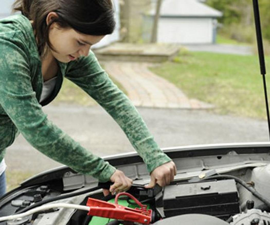 Cómo saber si hay que cambiar la batería del coche