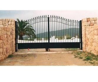 Puertas y persianas automáticas: Productos y servicios de Automatismos y PVC Santa Eulalia