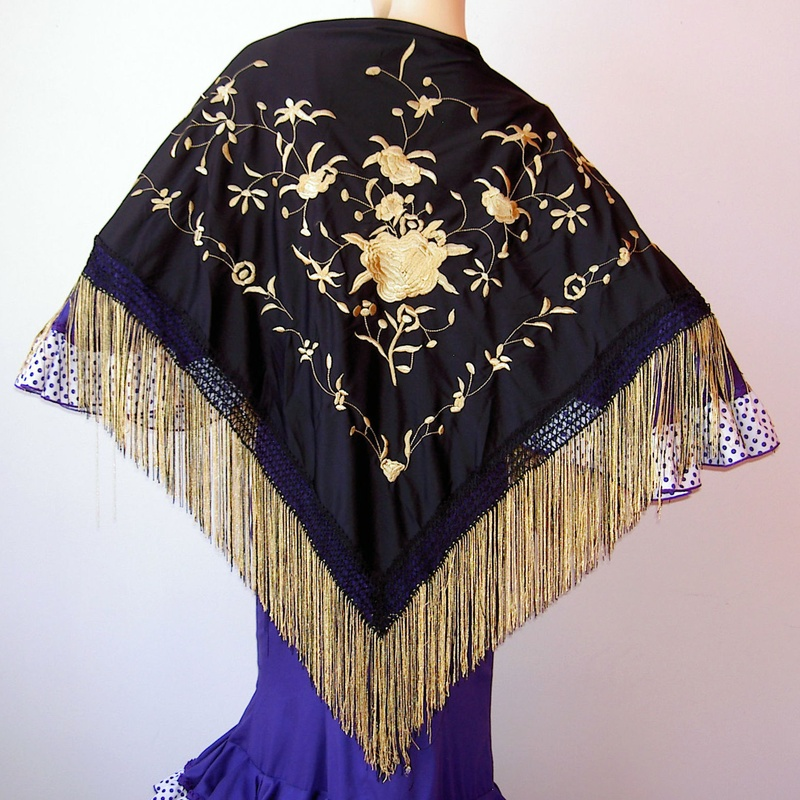 Mantón mediano negro-oro 2fleco