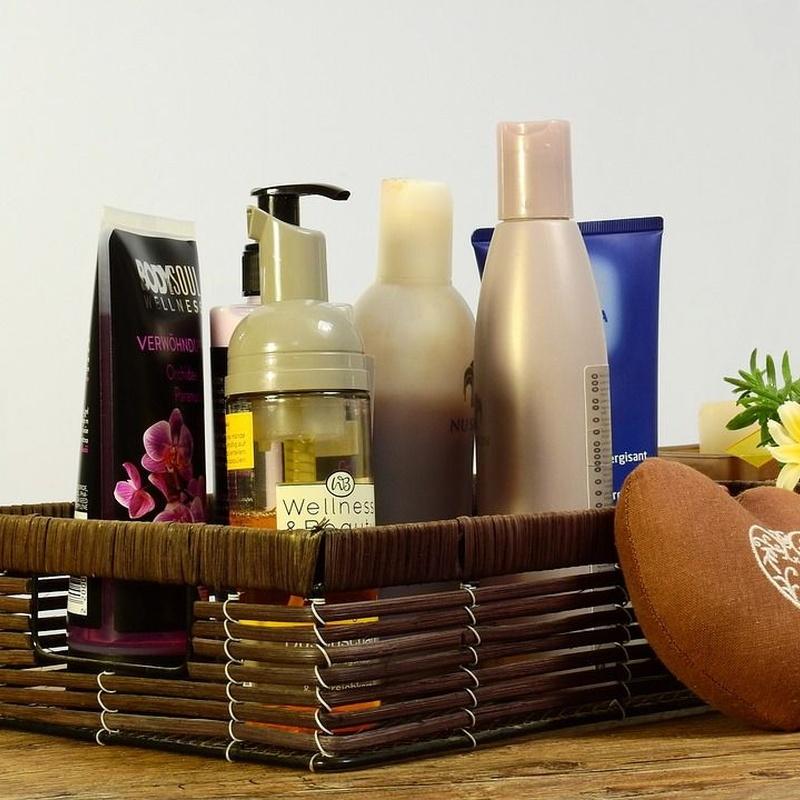 Productos de higiene: Productos y servicios de Farmàcia Maica Lluch