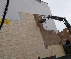 aislamiento con espuma de poliuretano en pared medianera