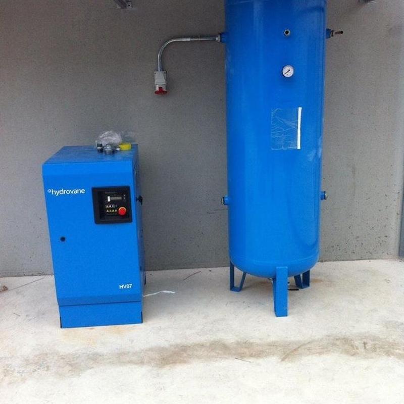 Instalacion compresor de aire.: Trabajos realizados de REFORMAS, INSTALACIONES Y CONSTRUCCION ARAGON