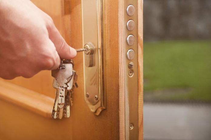 Instalación de puertas blindadas: Servicios de Cerrajería José Luis