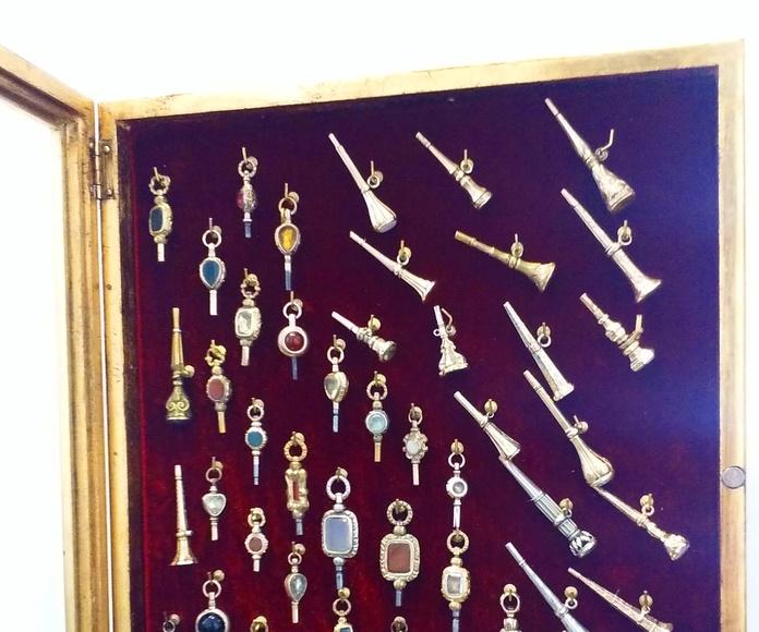 Vitrina enmarcación llaves de relojes