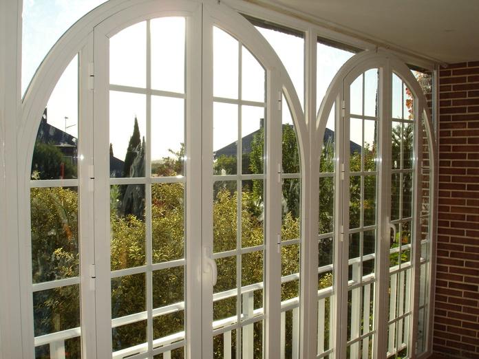 Cerramientos en Aluminio Curvo: Productos de Cristalerías Formas - León
