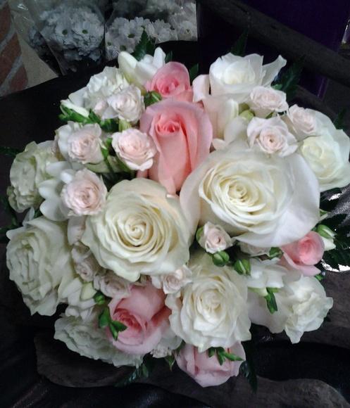 Ramo de rosas y rosas mini: Servicios de Arte Flor