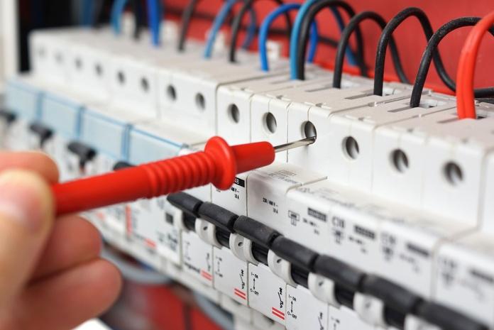 Instalaciones eléctricas: Servicios de Elegades