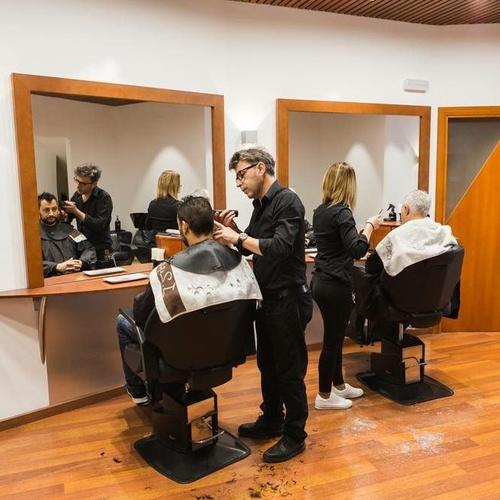 Peinados para hombre en El Vendrell