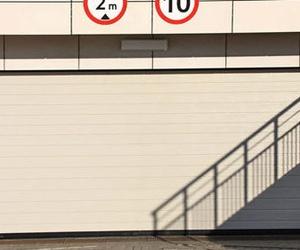 Mantenimiento y reparación de puertas de garaje