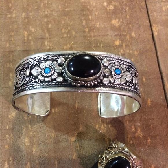 Pulsera y anillo de ónix