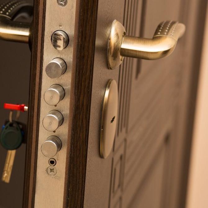 Diferencia entre puerta blindada y acorazada