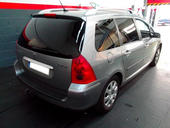 Peugeot 307 SW. Lámina solar negro intermedia