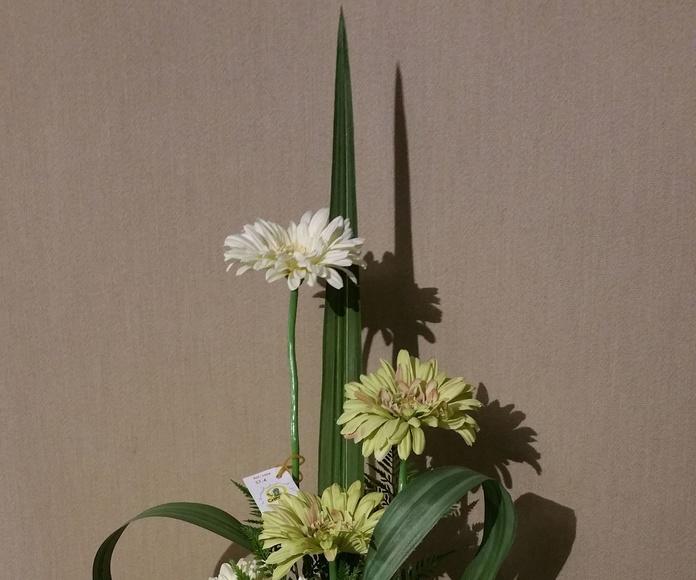 Arreglo flor artificial