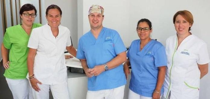 Profesionales: Tratamientos de Centro Estética Dental García Marí