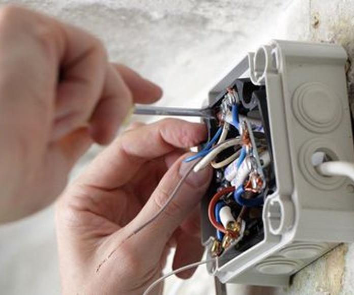 Electricidad: Servicios de Vivienda Cero