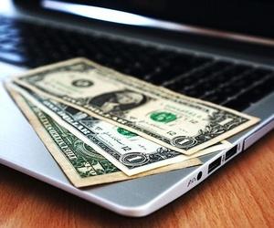 Las incógnitas de tributar el dinero ganado a través de Internet
