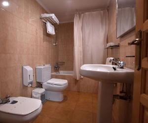 Baño totalmente equipado de nuestro hotel