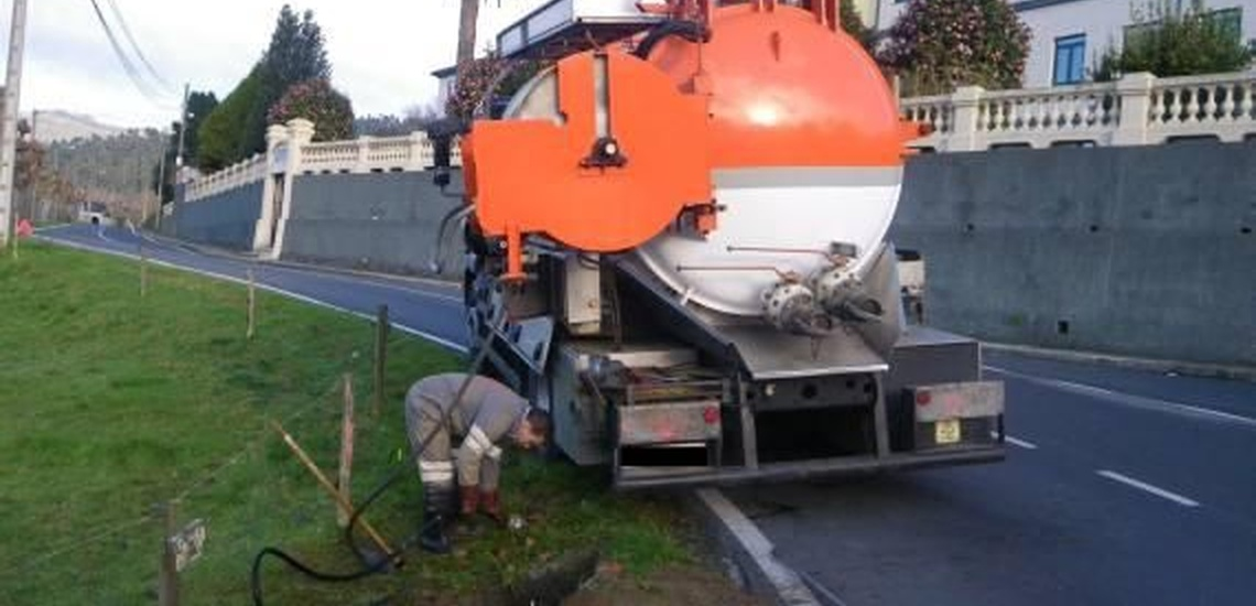 Limpieza de tanques de combustible y transporte de residuos en A Coruña