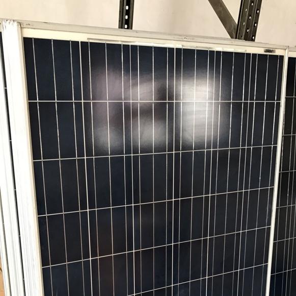 MODULO FOTOVOLTAICO POLICRISTALINO 230W 60C (SEGUNDA MANO): Productos y servicios de Energías Renovables HG