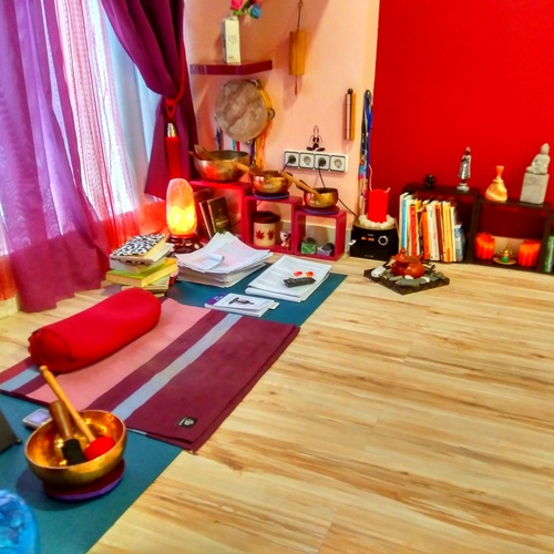 Centro de yoga en el Barrio del Pilar, Madrid  | Izel Yoga