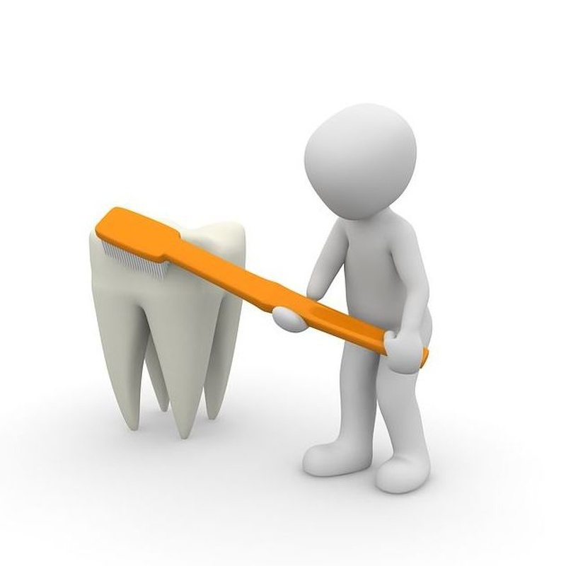 Limpiezas bucales: Servicios de Dr. Manuel Sáez Ortodoncia