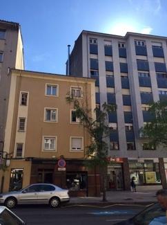 Nueva adjudicación en la calle Escultor Laviada en Oviedo.