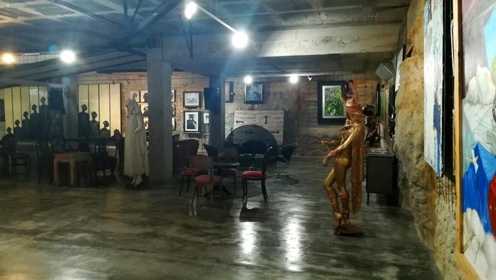 Rental ground floor: Room rental de L´Art i Café