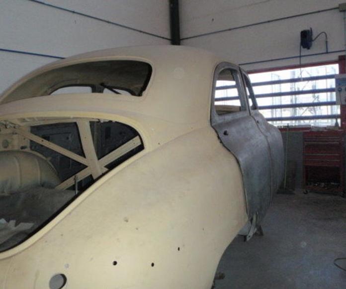 restaurador de coches Packard Madrid