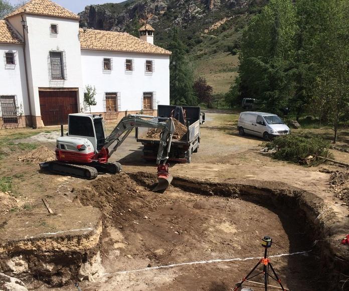 Excavación para piscina en la población Hoya del Salobral.