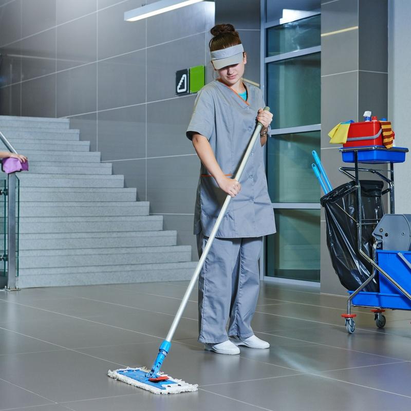 Mantenimiento de comunidades y garajes: Servicios de Cast Limpiezas