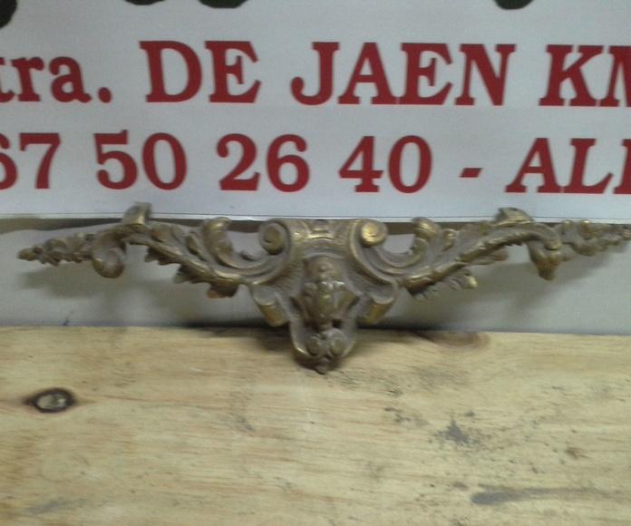 antiguo adorno de laton en Chatarras Clemente