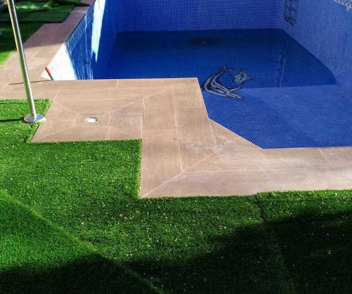 Bordes de piscina: Productos y servicios of Depoceramic