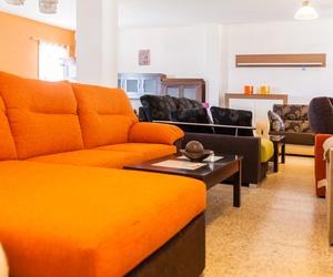 Si adquieres alguno de nuestros muebles, sofás nos encargamos de llevarlo hasta tu domicilio