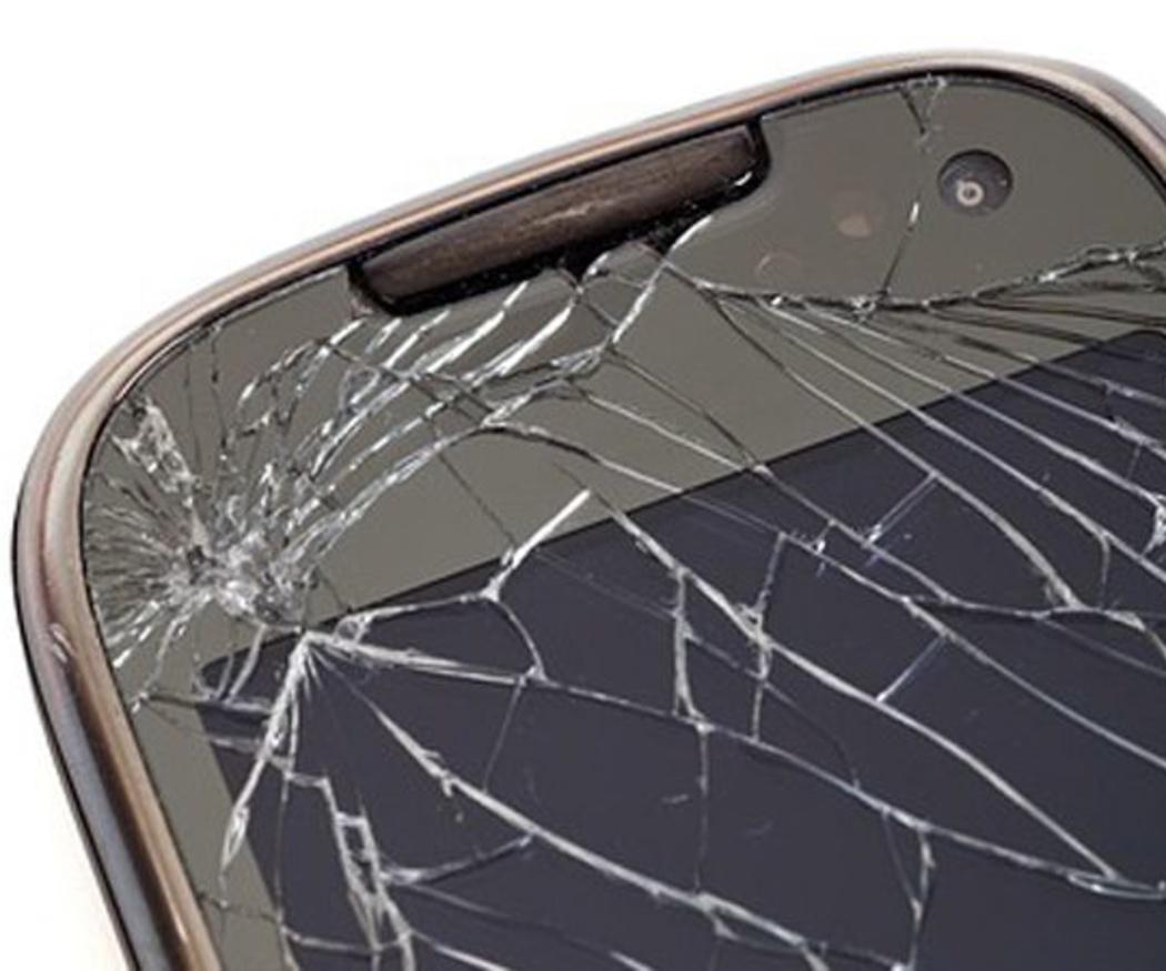 La crisis y el coste de los smartphones impulsan la reparación de móviles