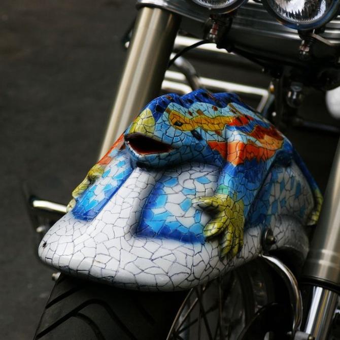 Barcelona en moto: de l' Eixample al Montjuïc