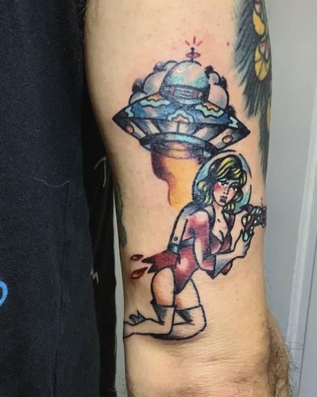 Tatuaje en Santander, tatuaje a color, Rubén Cao, Tattoo, Verger Tattoo, Old School Tattoo Santander