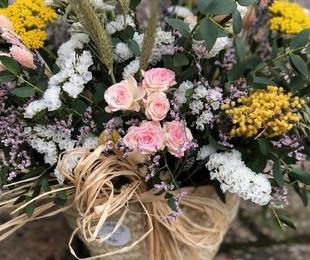 Capazo de flor natural de temporada