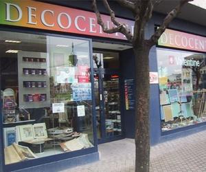 Fachada de la tienda de pinturas en Pamplona