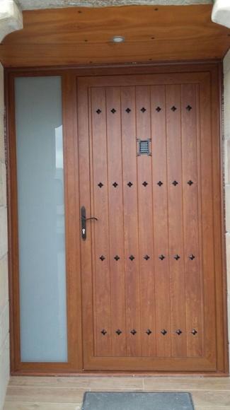 Puertas de aluminio imitación madera Vitoria