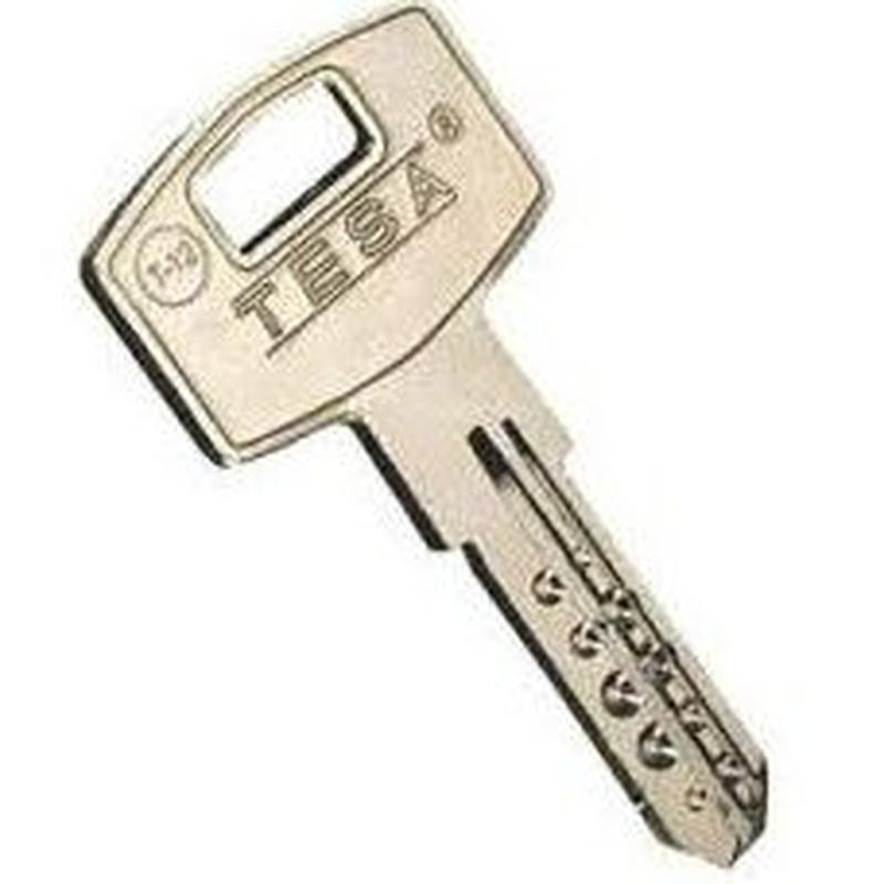 Llaves de seguridad: Productos de Zapatería Ideal